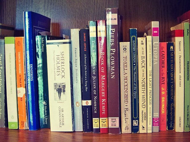 ۵ دلیل برای مطالعه رمان زبان اصلی
