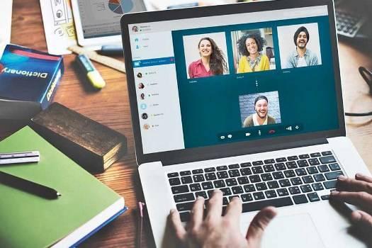یادگیری زبان انگلیسی با اینترنت و فضای مجازی
